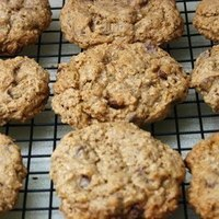 Gluten Free and Egg Free Chocolate Chip Oatmeal Cookies