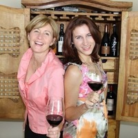 Judit & Corina WineDineDaily