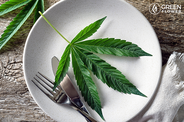 cannabiss leaf in a plate