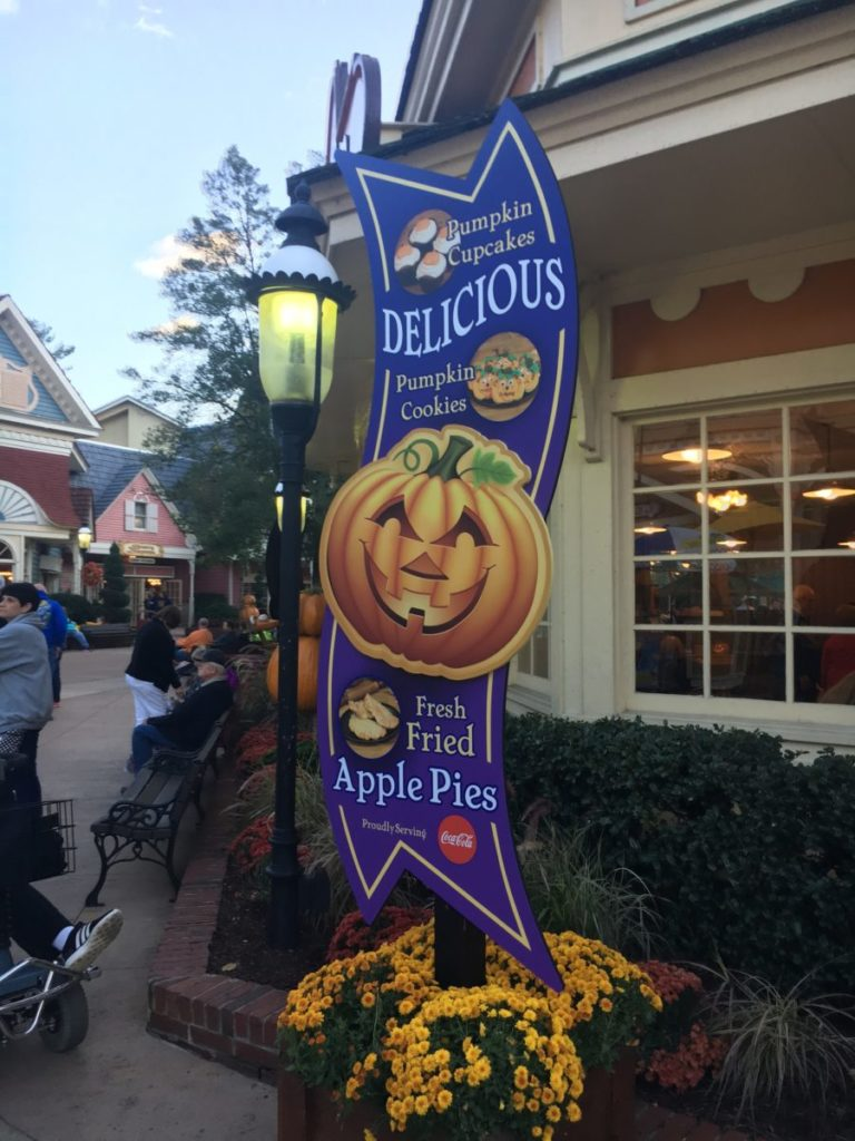 Eat pumpkin themed autumn food favorites at Great Pumpkin Luminights at Dollywood theme park