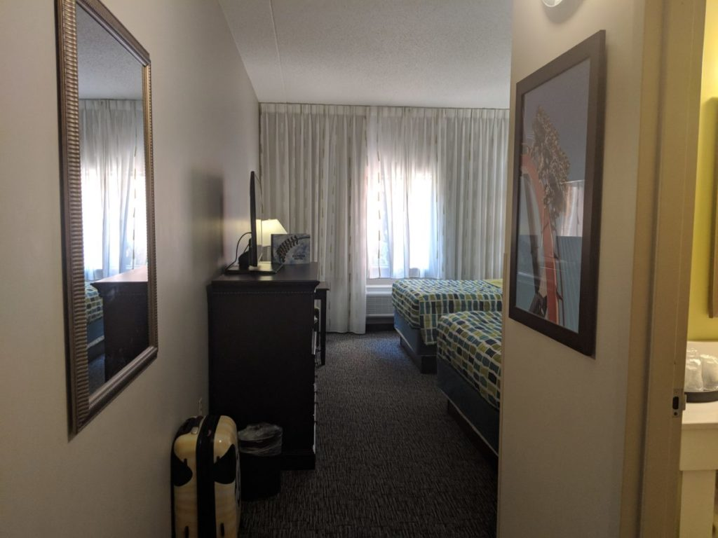 Find out why we love the rooms at Cedar Point Express Hotel in Sandusky Ohio