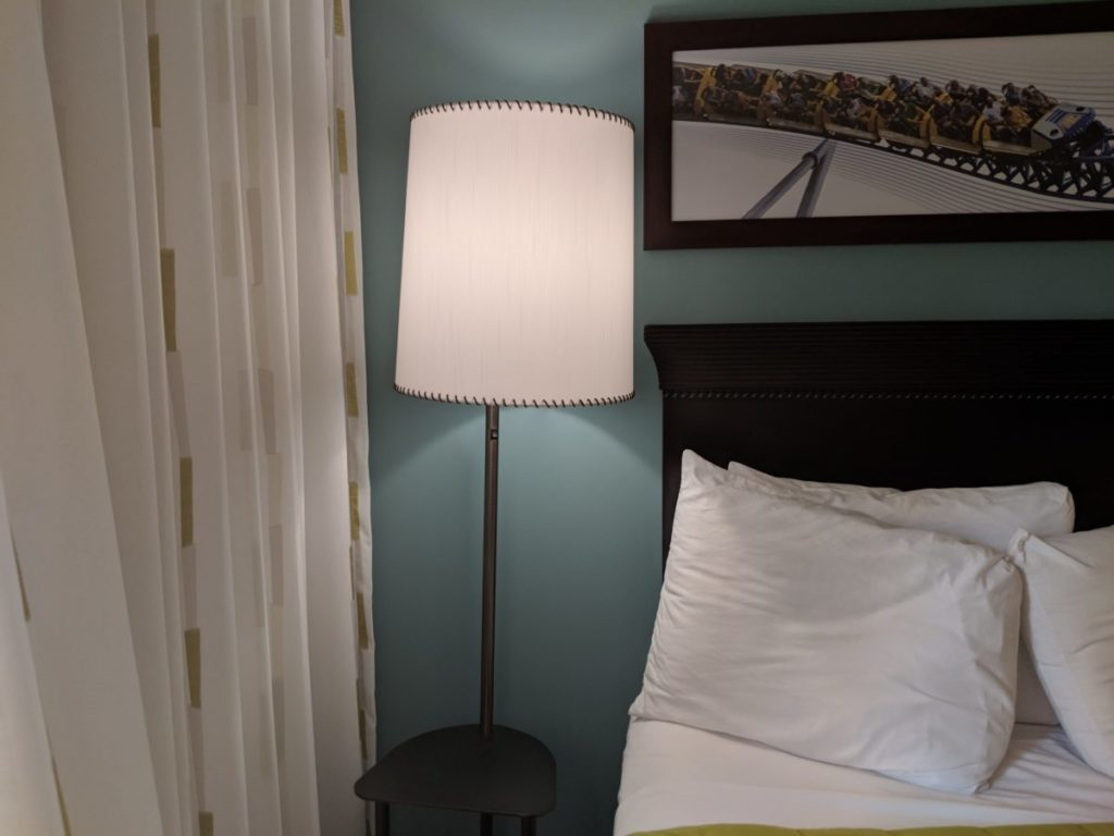 Cedar Point Express Hotel in Sandusky, Ohio has nice guest rooms for families