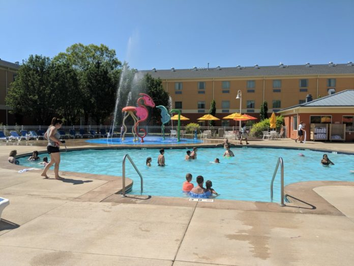 Cedar Point Express Hotel has a great pool & splash pad for toddlers