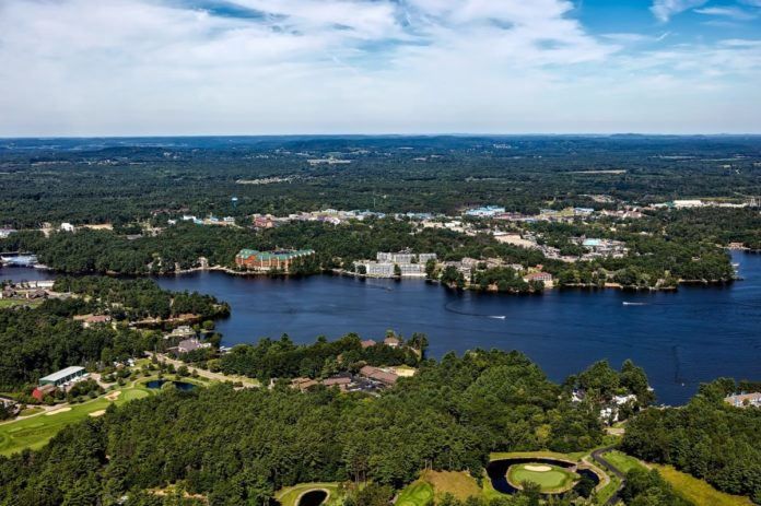 How to stay at a Wisconsin Dells hotel for up to half off the nightly rate