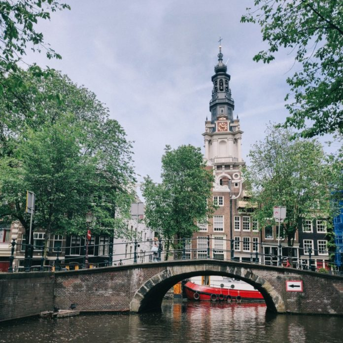 Enjoy canal cruise, hop on hop off bus, excursions in Amsterdam in 1 day for one low price