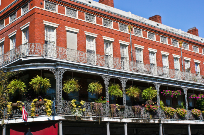 Discount prices on flights & hotels in New Orleans Louisiana from Cincinnati Ohio