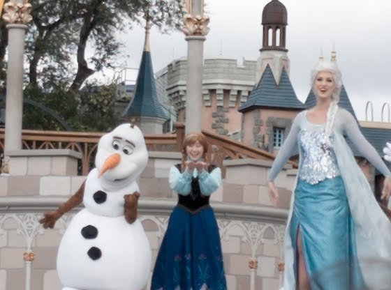 Everything you need to know about the brand new Frozen Celebration at Disneyland Paris theme park