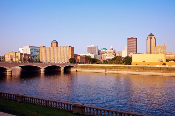 Find out what the best Des Moines, Iowa hotels are & how to get a good deal there