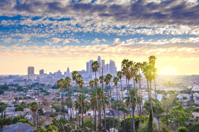 Find out how to save up to 74% on hotels in Southern California (Los Angeles, Venice Beach, Marina del Rey, Long Beach, etc.)