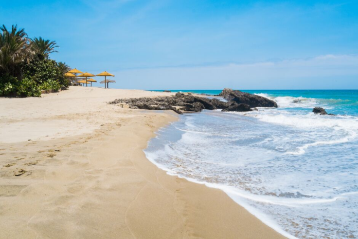 How to book a hotel in Mancora, Peru for under $100/night