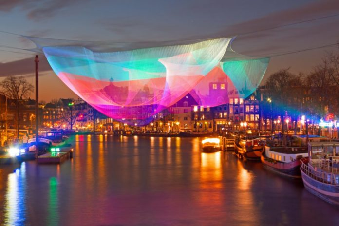 How to get a discount ticket for an Amsterdam Light Festival Canal Cruise