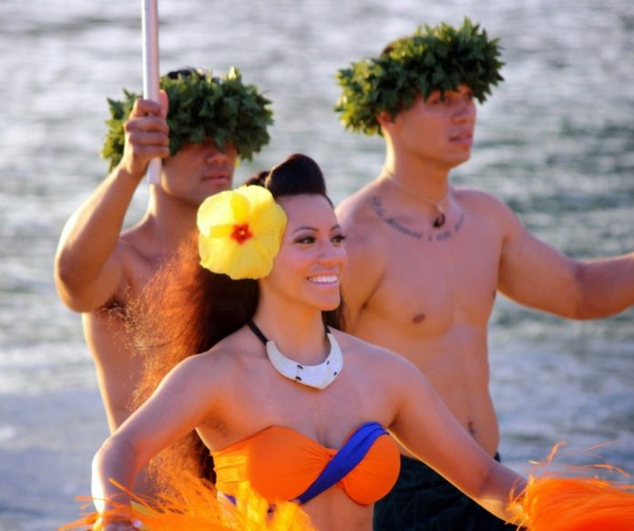 Find out what the 20 best luaus in Hawaii are & how to get a good deal there