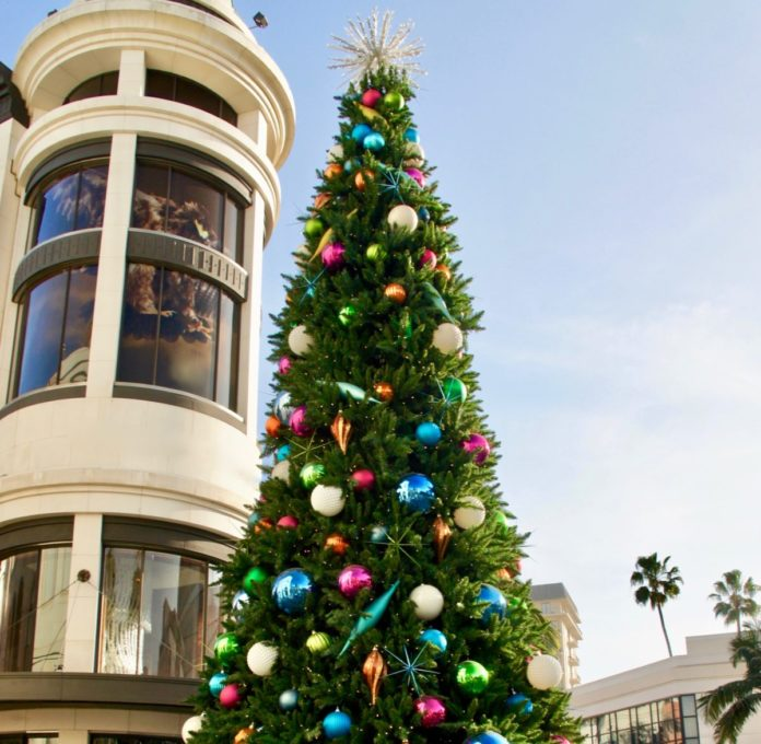 The best Christmas Lights In Beverly Hills tour