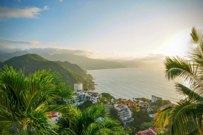 Discounted rates for luxury hotels in Puerto Vallarta, Mexico