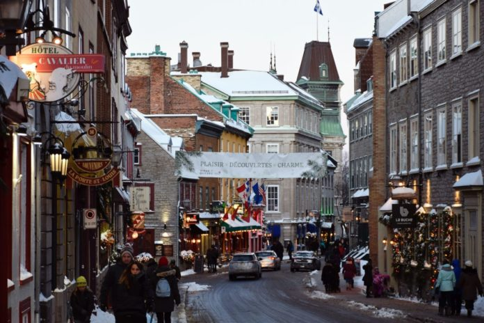 Take a Christmas Small Group Gourmet Food Tour In Quebec City
