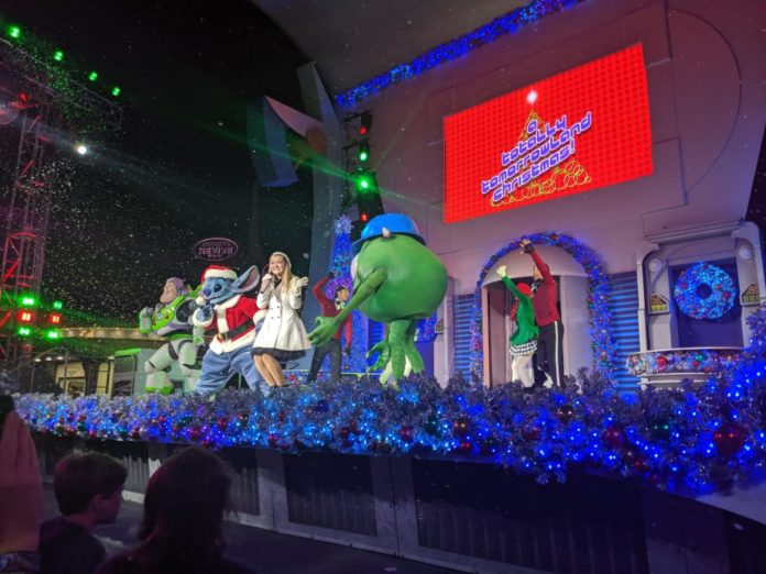 A video of A Totally Tomorrowland Christmas from a 2019 Mickey's Very Merry Christmas Party