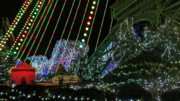 See a virtual tour of Kings Dominion them park's Christmas event, Winterfest