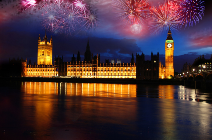 Enjoy the London New Year's Eve Fireworks cruise & enjoy a great view of the fireworks over Thames & get a great party