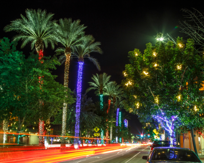 Get a discount ticket with a promo code for the Phoenix, Arizona area holiday lights tour