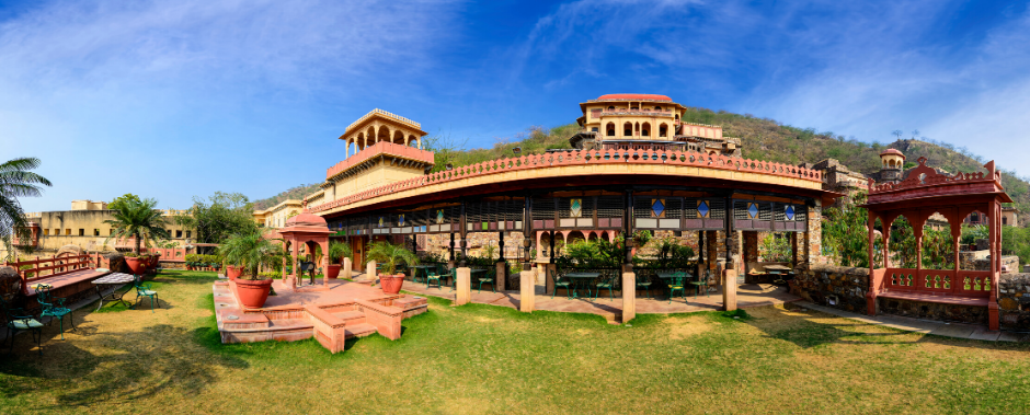 A piciture of Neemrana Fort-Palace Heritage Resort in India, which you can stay in