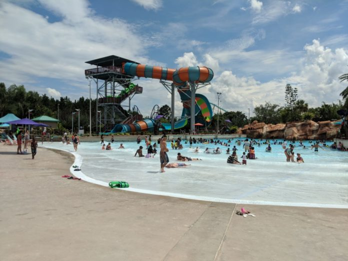 Save money on Orlando family vacation with Aquatica flash sale