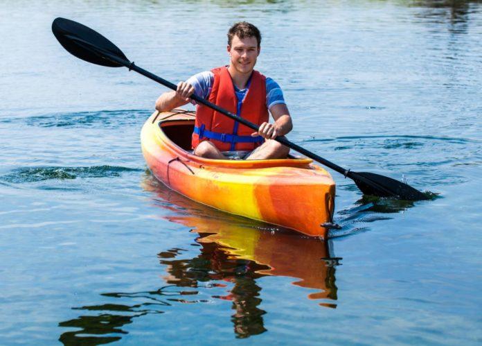 How to save money on kayaking in Virginia Beach Kitty Hawk area