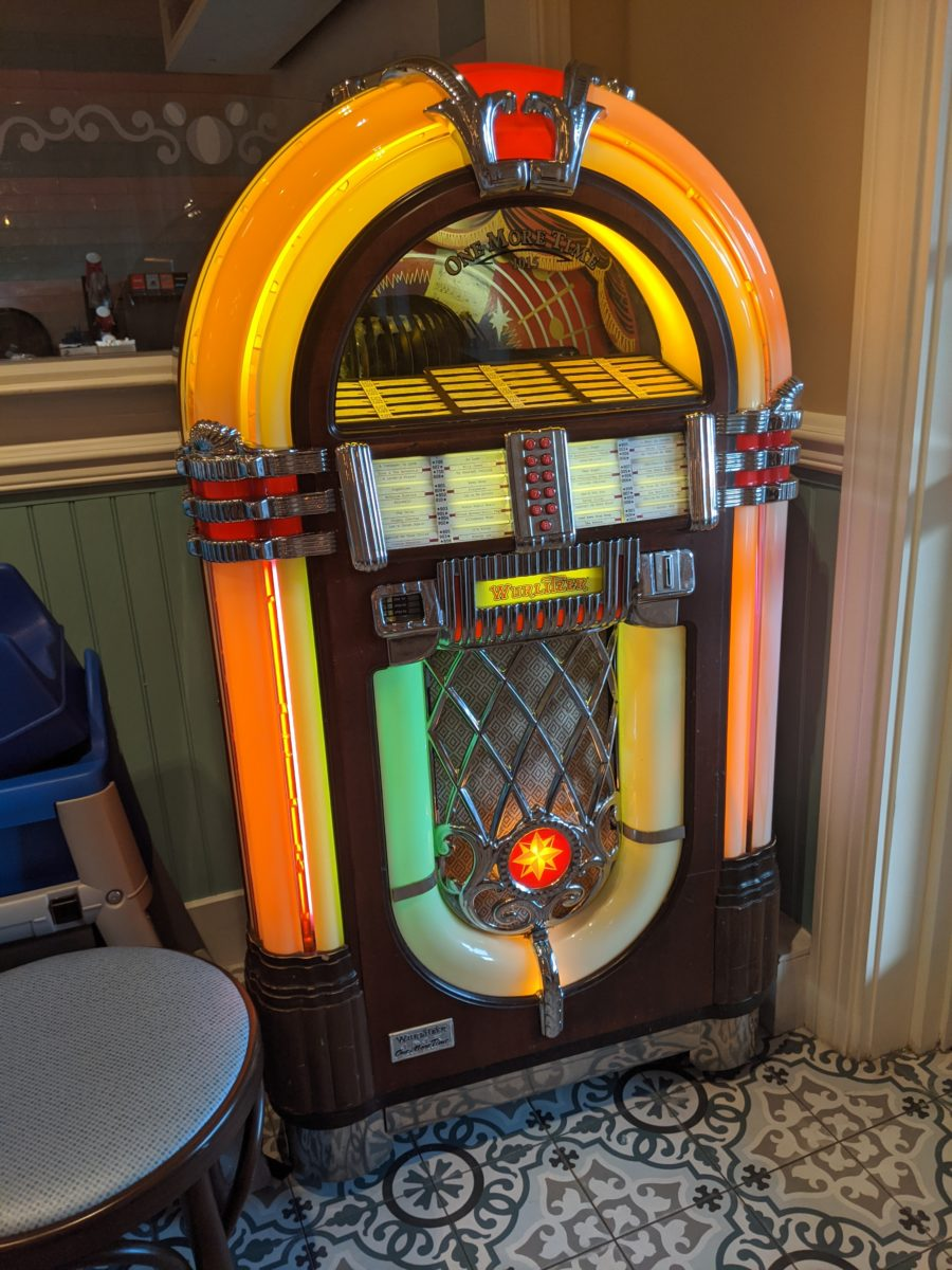 Beaches & Cream at Walt Disney World Resort has a fun jukebox as part of a retro theme