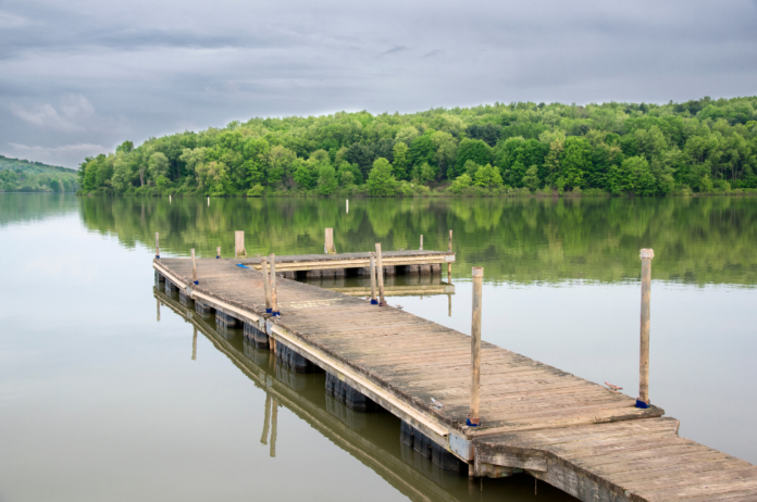 How to save money camping near Lake Arthur near Pittsburgh in Western Pennsylvania