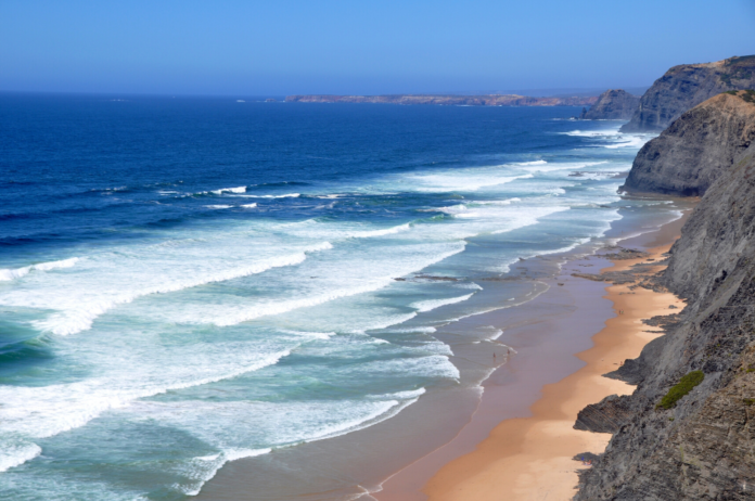 Win free $500 airfare voucher, 6 night hotel stay at a luxury Portugal beach resort, breakfast buffet, dolphin watching boat cruise, surfing lessons andd a Portuguese dinner
