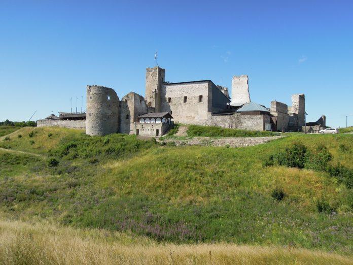 Tour from Tallin, Estonia see Rakvere Castle, Jagala Waterfall, Tarvas statue,