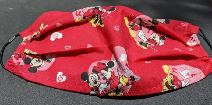 est Disney face masks for adults and children with filter pockets