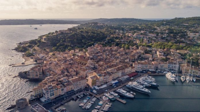 A picture of St.Tropez, France. Find out how to save money on hotels here
