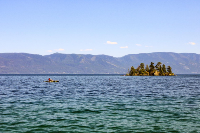 Travel guide for Flathead Lake Montana, including discounted hotel rates, activity suggestions & the story of the lake monster Flessie
