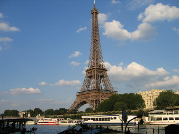 Discount tickets for Paris, France hop on, hop off boat tour on the River Seine