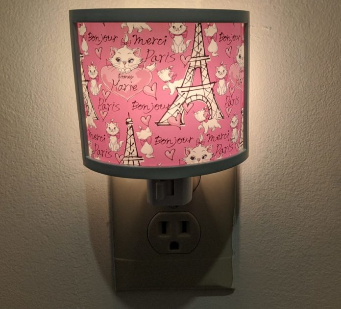 Disney night lights (Aristocats, Frozen, Tangled, Aladdin, Marvel, Star Wars, Mickey Mouse, etc.)