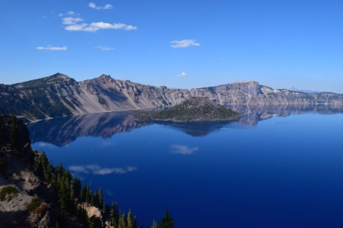 Save up to 50% on hotels near Crater Lake National Park in Southern Oregon