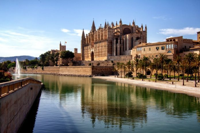 Discount voucher for Mallorca Pass gets you admission & discounts to top area attractions