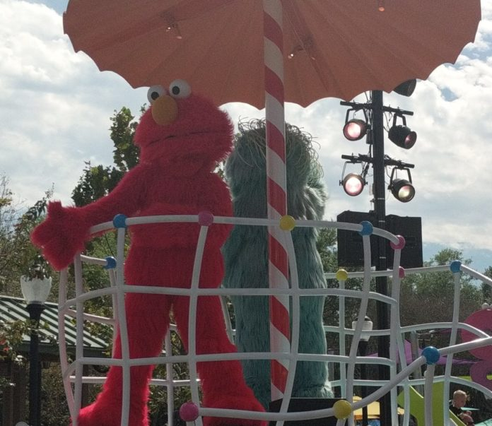 How a transferable pass at Sesame Place theme park in Philadelphia, Pennsylvania area will save you money