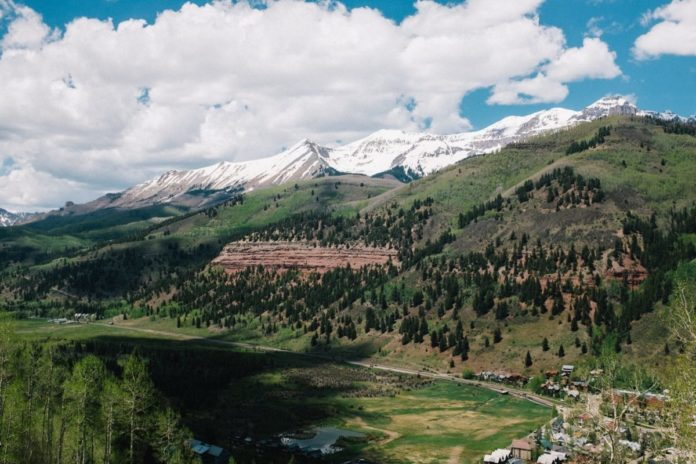 Telluride Colorado travel guide learn about the best activities, hotels, time of year to visit