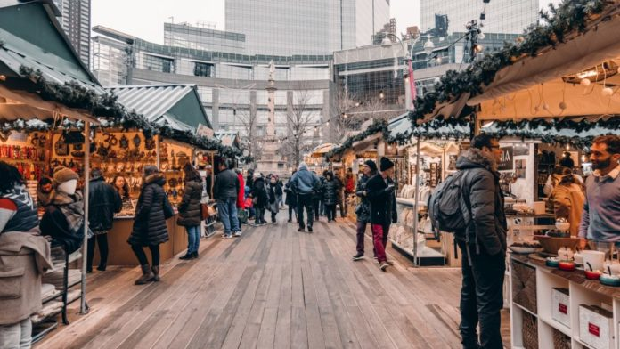 New York Holiday Markets and Movie Sites Tour Discount Ticket