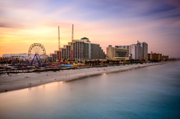 Discounted hotel rates in Daytona Beach, FL