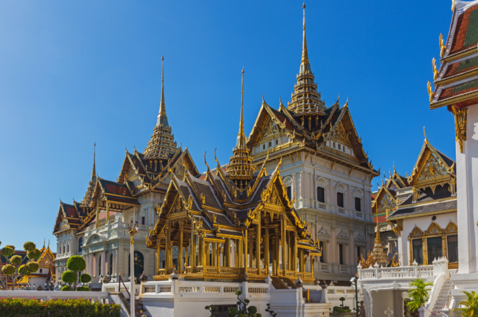 See top Bangkok attractions during a private custom tour