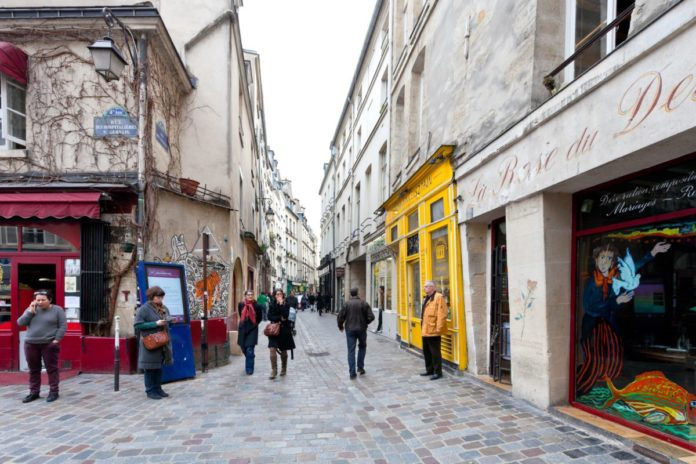 Take a private, guided 2-hour Jewish tour of Paris, France