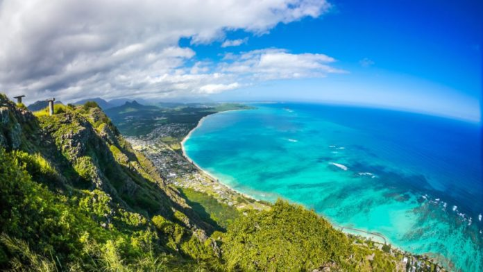 Win free airfare to Oahu, Hawaii & Billabong Team House stay