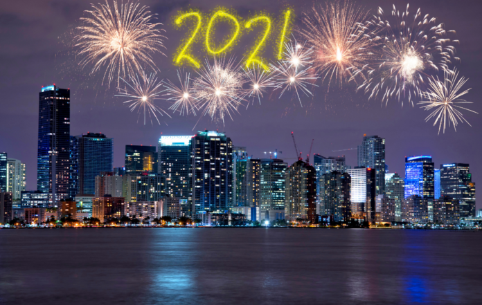 See 5 different South Florida fireworks shows in Coconut Grove, South Beadh, Miami Beach, Fisher Island, North Miami on NYE fireworks cruise