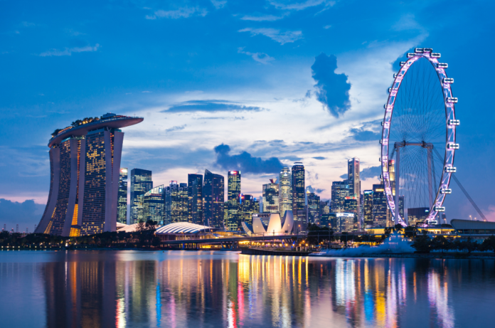 Learn what the top Singapore luxury hotels are & how to book them at the lowest available rate
