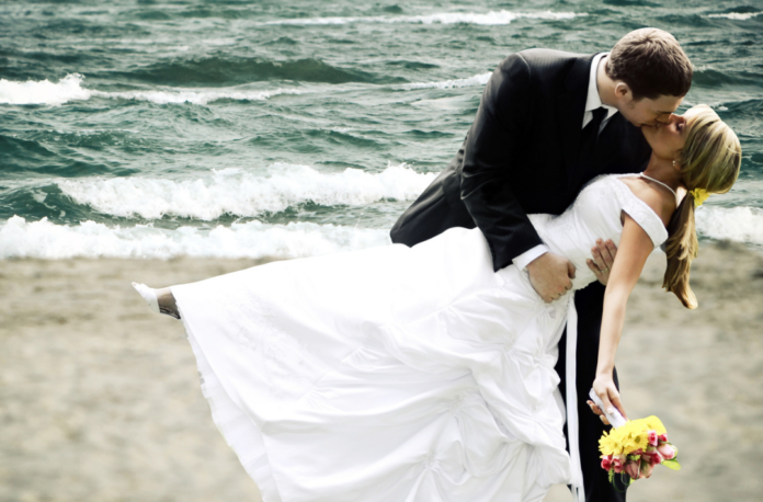 How to save money on a wedding or vow renewal in Miami, Florida