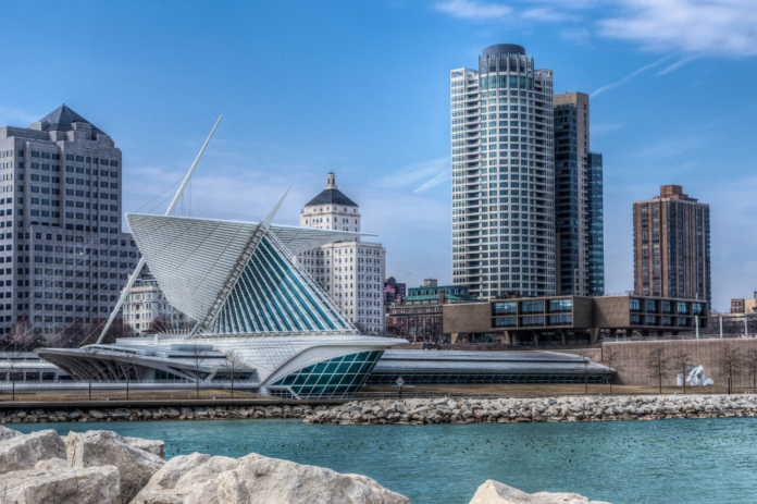 How to save money on hotels in Milwaukee, Wisconsin