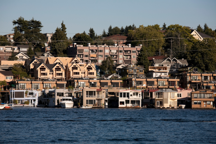 Discount price for One- or Two-Hour Private Boat Cruise, or Three-Hour Private Sailing Adventure with Candere Cruising in Seattle, Washington