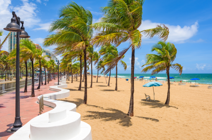 Save money on Fort Lauderdale, FL traveling with cheap prices for hotels